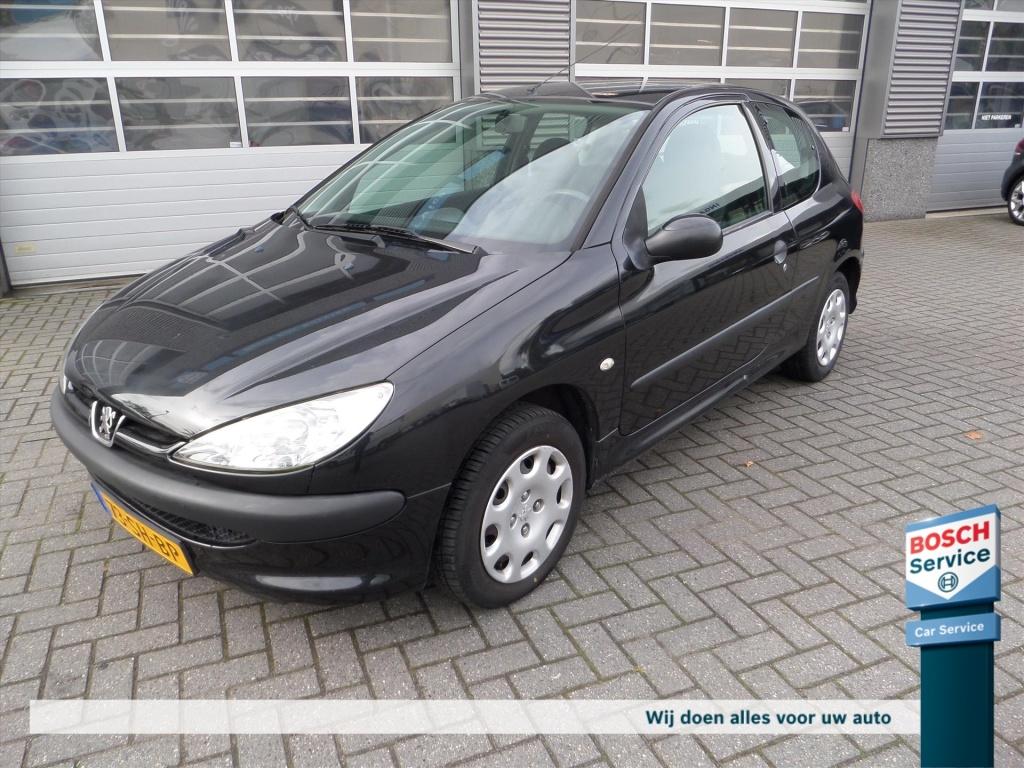 Peugeot-206-thumb