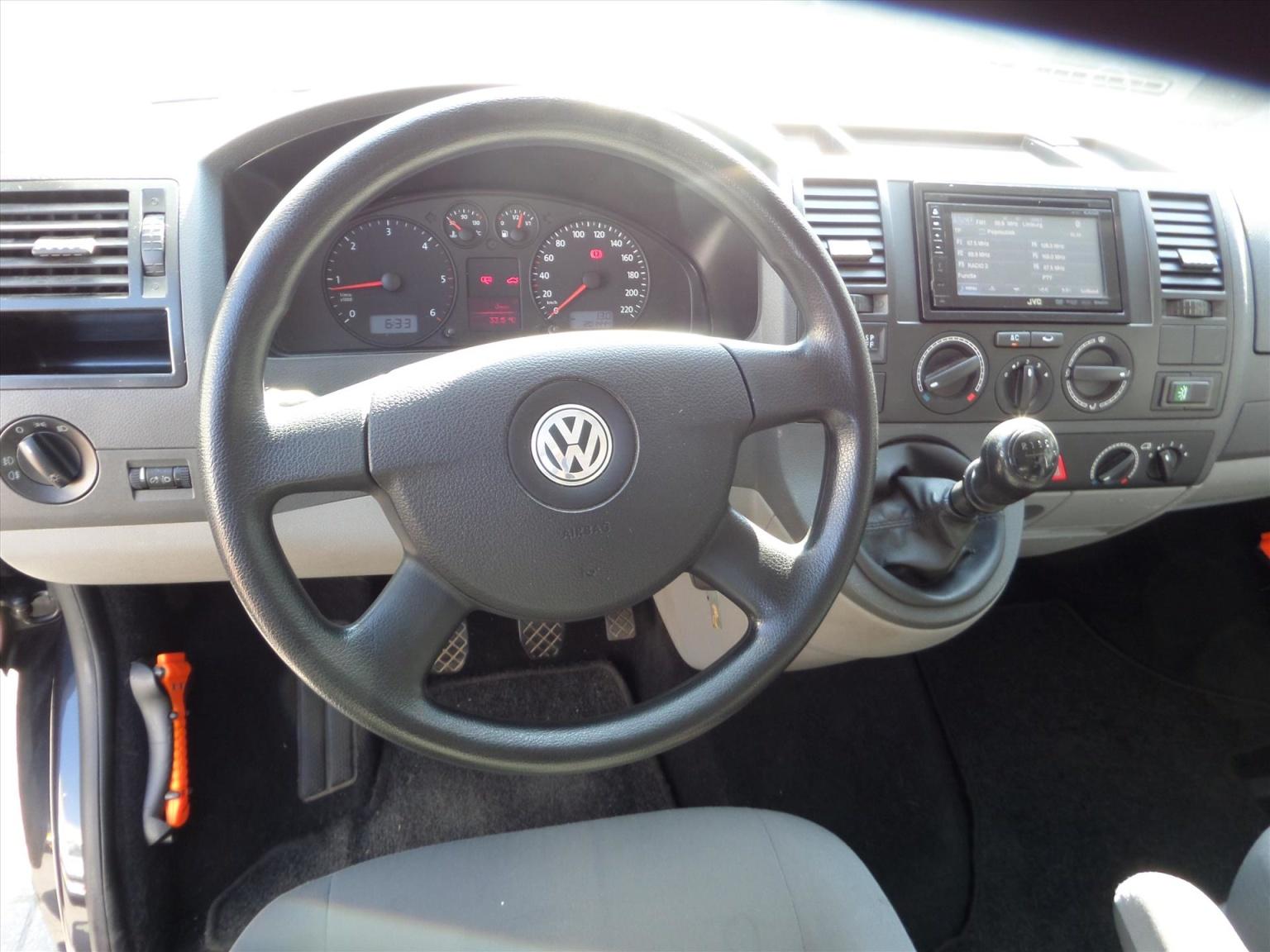Volkswagen-Transporter-19